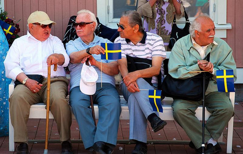 Картинки по запросу пожилые люди в Швеции