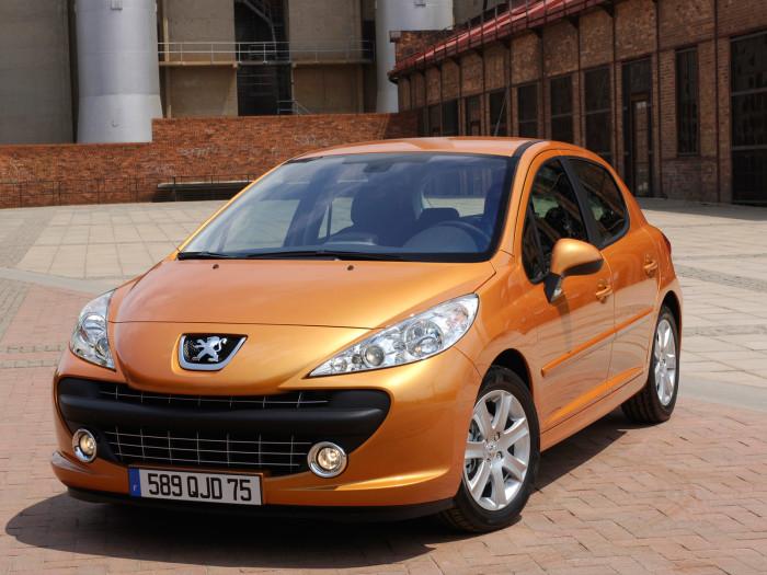 Автомобиль марки Peugeot