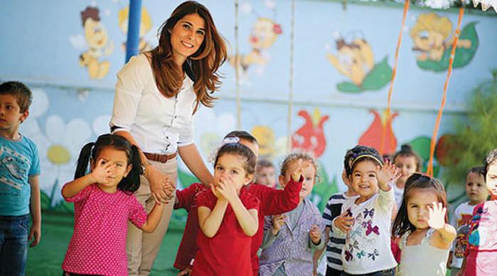 Детей турецкого садика вывели на прогулку