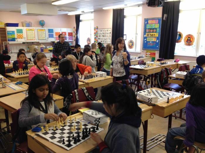 Урок шахмат в шведской школе