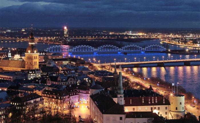 Латвийский ночной пейзаж