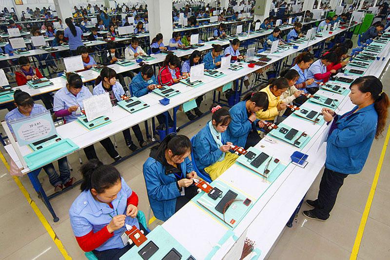 Image result for китайские условия работы много рабочих