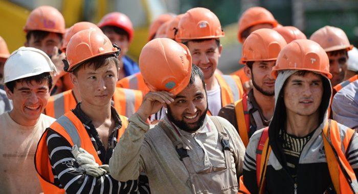 Таджикские рабочие-мигранты