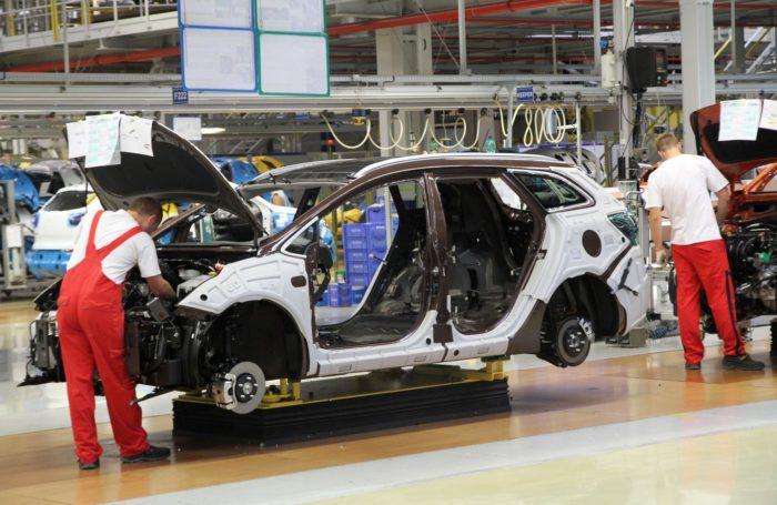 Сборка автомобиля Kia