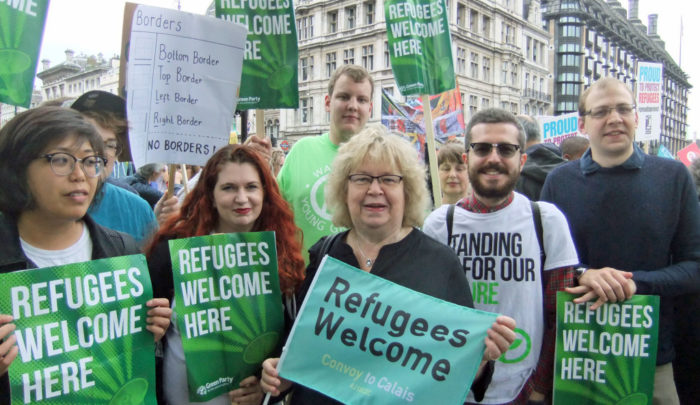 Поддержка беженцев в Британии