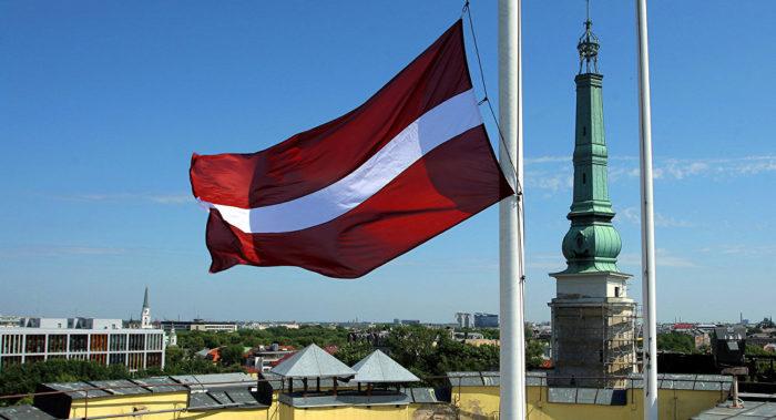 Латвийский флаг в Риге