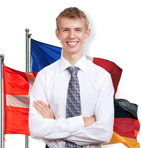 Потенциальный получатель Голубой карты на фоне флагов стран ЕС