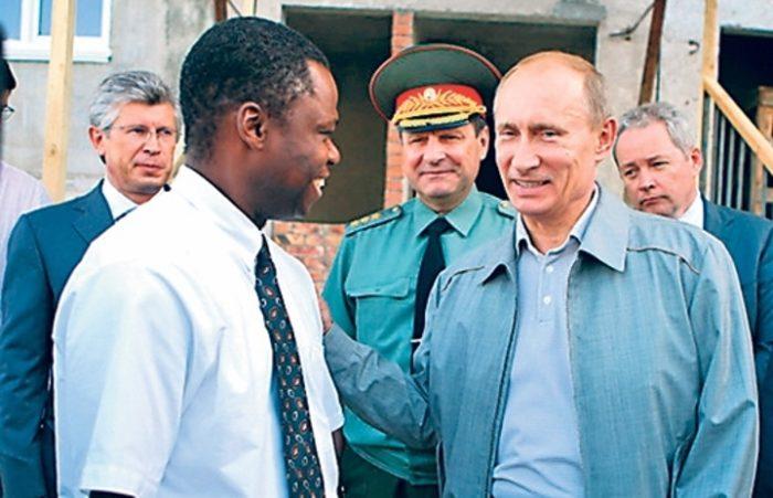 Кандидат в мэры Жоаким Крима и навестивший его Президент РФ В. Путин