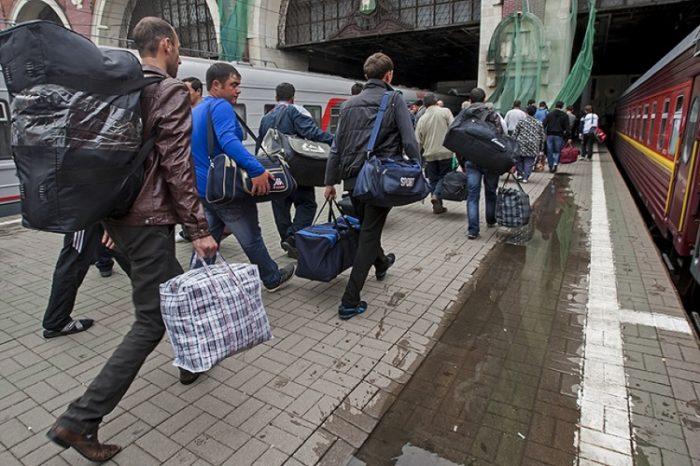 Мигранты едут в Россию