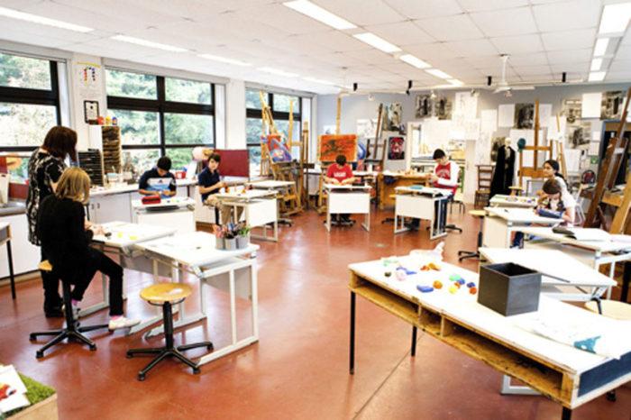 Урок художественной графики в одной из арт-школ Бельгии