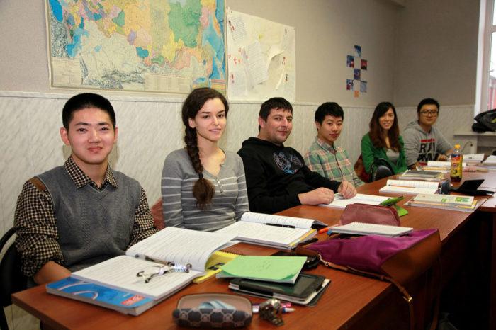 Студенты языковых курсов в России