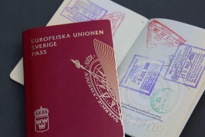 Шведский паспорт и паспорт с открытой визой