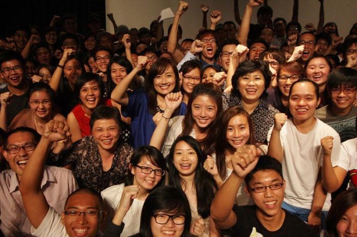 Студенты одной из элитных школ Сингапура на вручении сертификатов Advanced Level