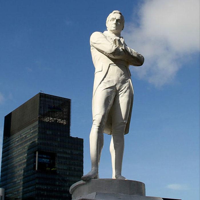 Статуя Томаса Стэмфорда Бингли Раффлза