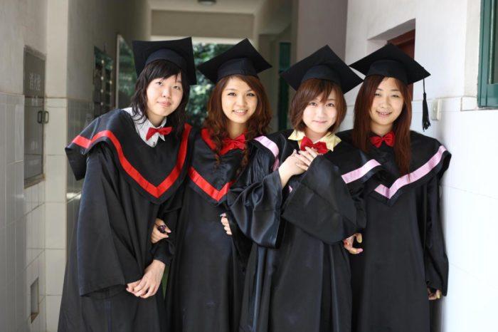 японские студентки