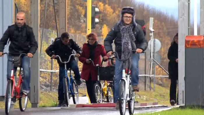Норвежские велосипедисты разных рас и национальностей