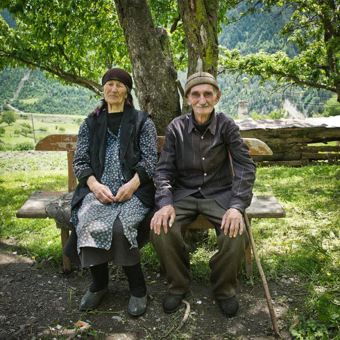 Старики в горах Грузии