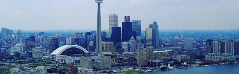 один из канадских мегаполисов - Торонто