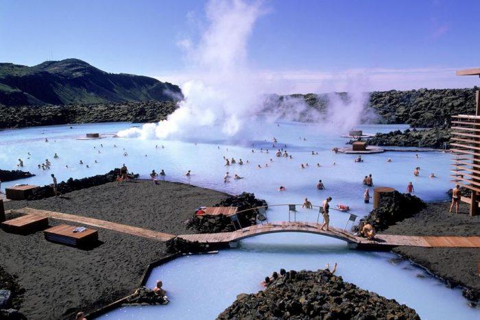 термальный источник в Исландии