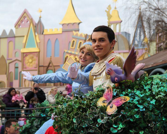 Золушка и её принц в Диснейленде
