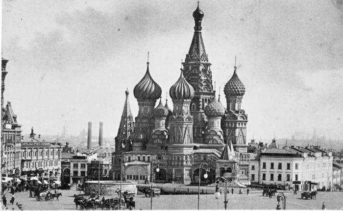 Старинное изображение храма Василия Блаженного