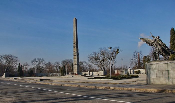 Памятник 1200 воинам-гвардейцам
