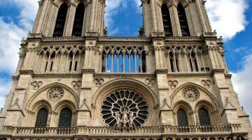 Что удалось спасти при пожаре из собора Парижской Богоматери?