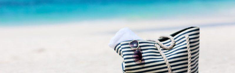 Сумка на пляже