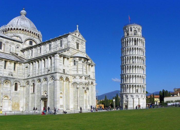 Пизанская башня в Пизе