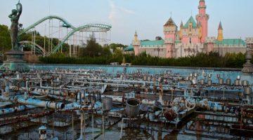15 фото заброшенного Диснейленда в Японии