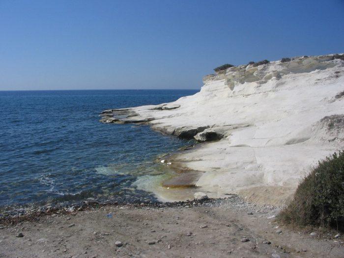 Белые скалы Димассола