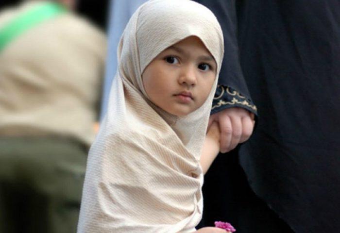 Девочка в хиджабе