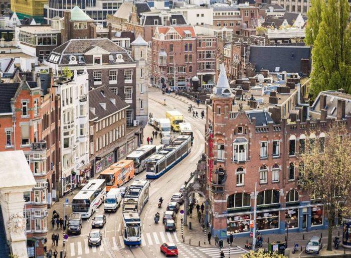 Транспорт на улицах Амстердама