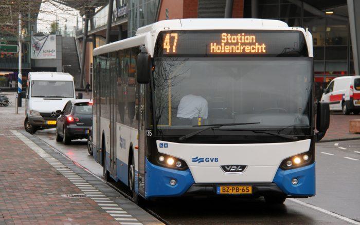 Автобус в Амстердаме