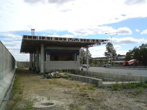 Заброшенный пост ГАИ в деревне Карповка