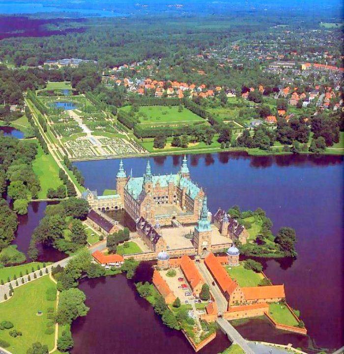 Хиллерёд, вид на Фредериксборг (Frederiksborg Slott)