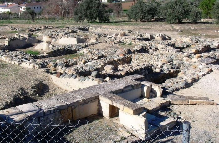 Руины города Тамассос