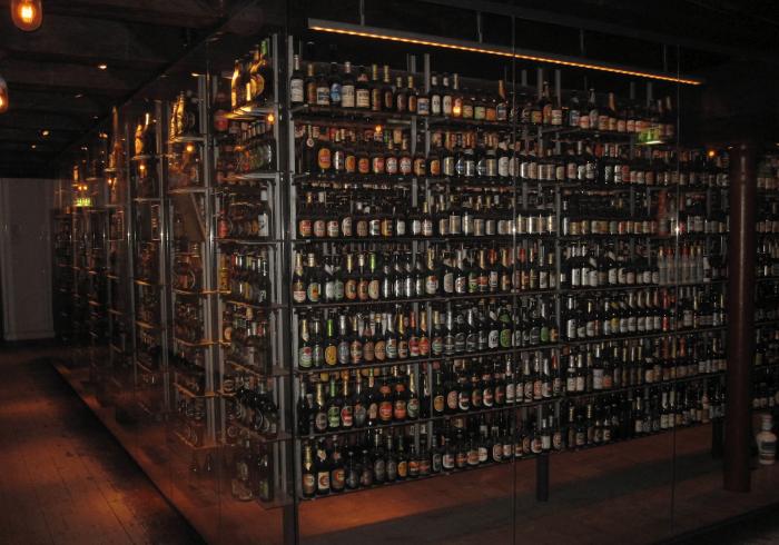 Витрина Музея пива в Копенгагене