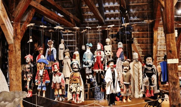Марионетки в музее Чески-Крумлова