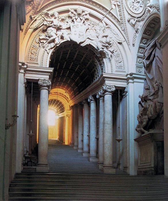 Лестница Бернини Ватикан