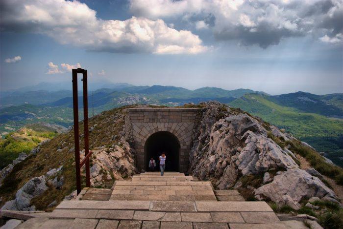 Мавзолей Петра в Ловчене