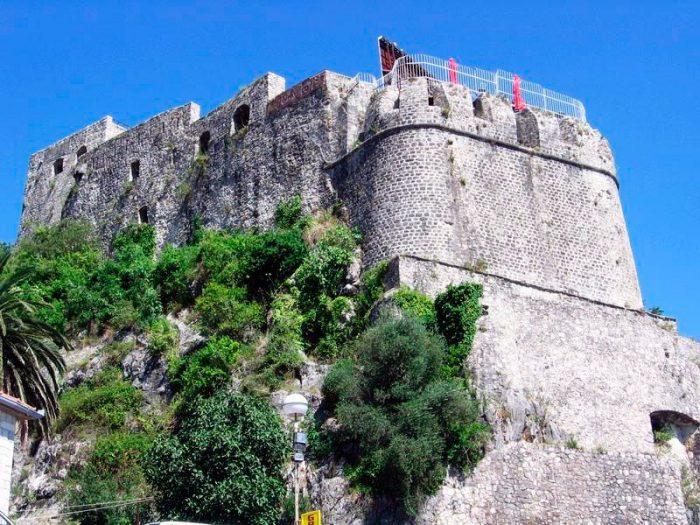 Морская крепость в Герцег-Нови