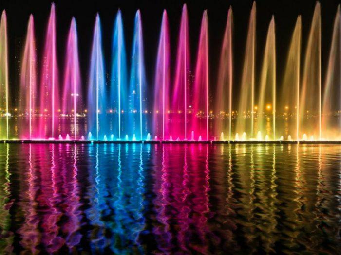 Шоу поющих фонтанов в Шардже