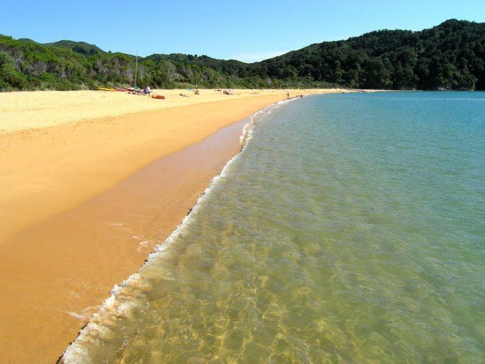 Пляжи Вэйхека