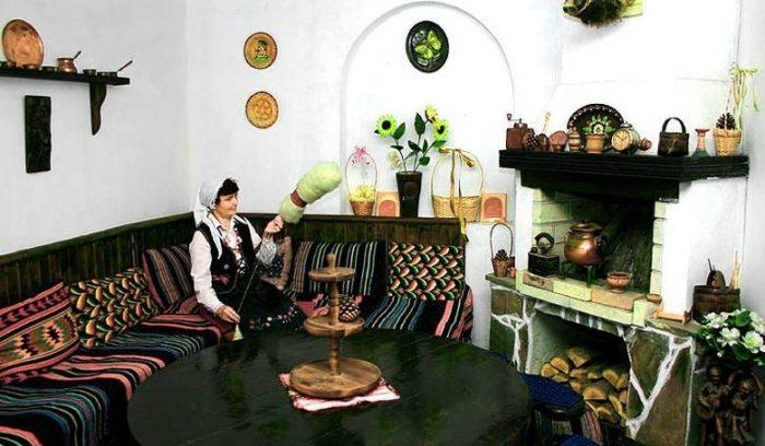 Бытовая сцена в деревне Бата