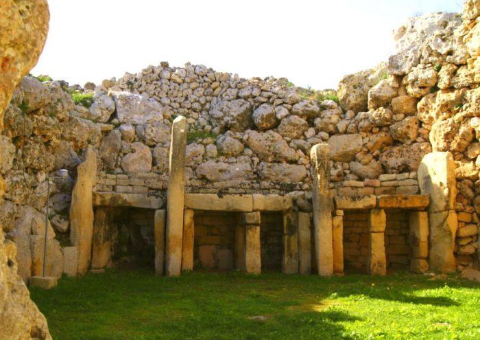 Храм Джгантия изнутри