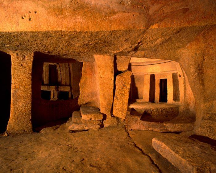 Святилище Хал-Сафлиени