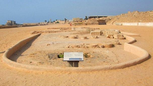 Стартовые ворота древнего ипподрома