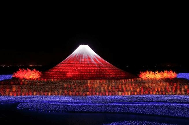 Огненный фестиваль у Фудзиямы