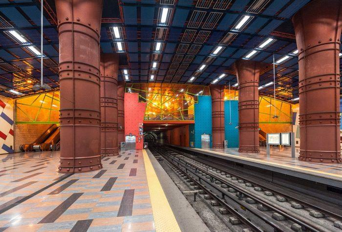 Станция метро в Лиссабоне